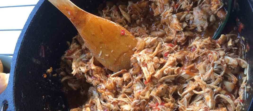 Pulled Chicken uit de Dutch oven